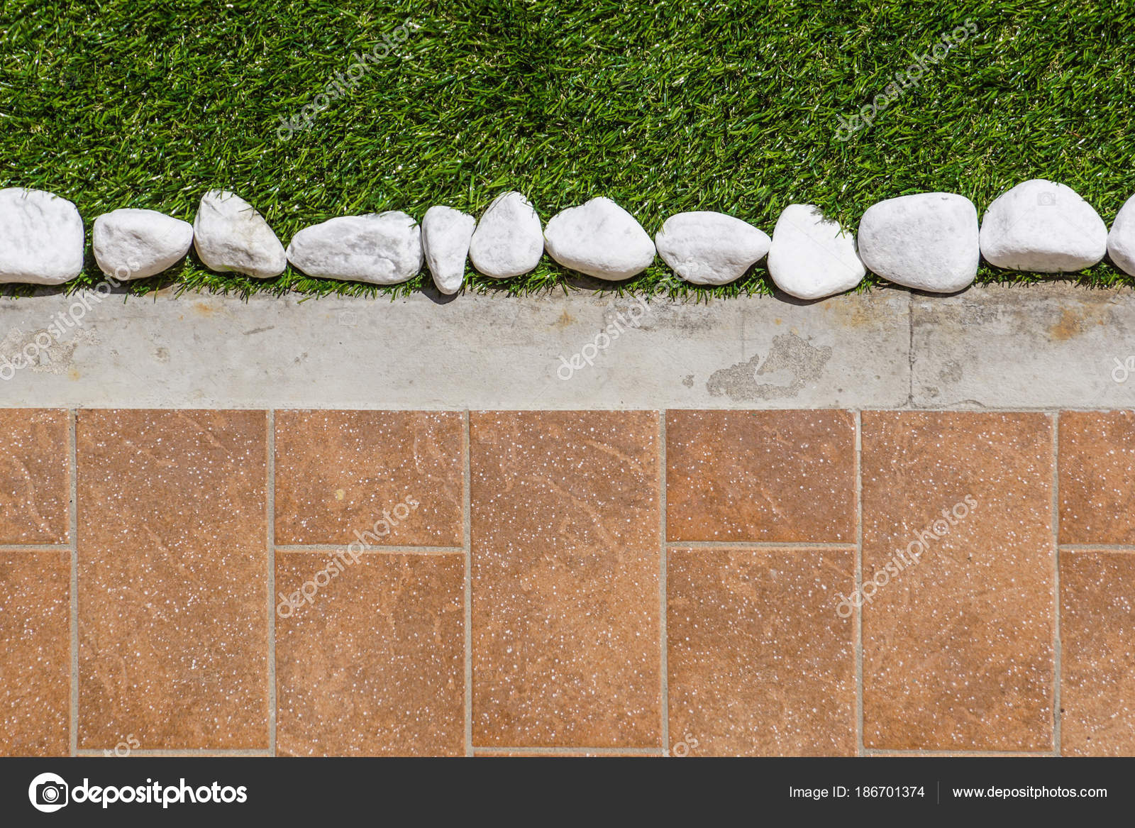 Bodengestaltung Mit Fliesen Und Ornamentalen Kies Verschiedene