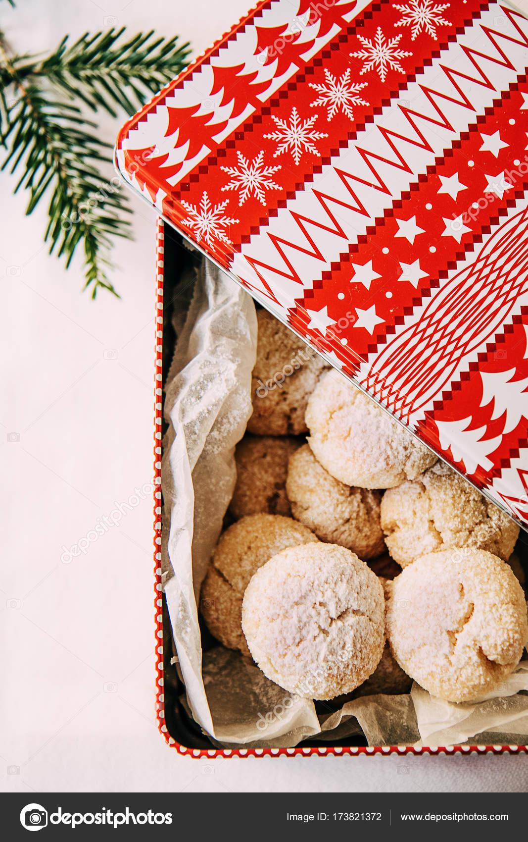 Weihnachtsplätzchen Schweiz.Traditionelle Schweizer Weihnachtsplätzchen Mit Kokosnuss In Einer