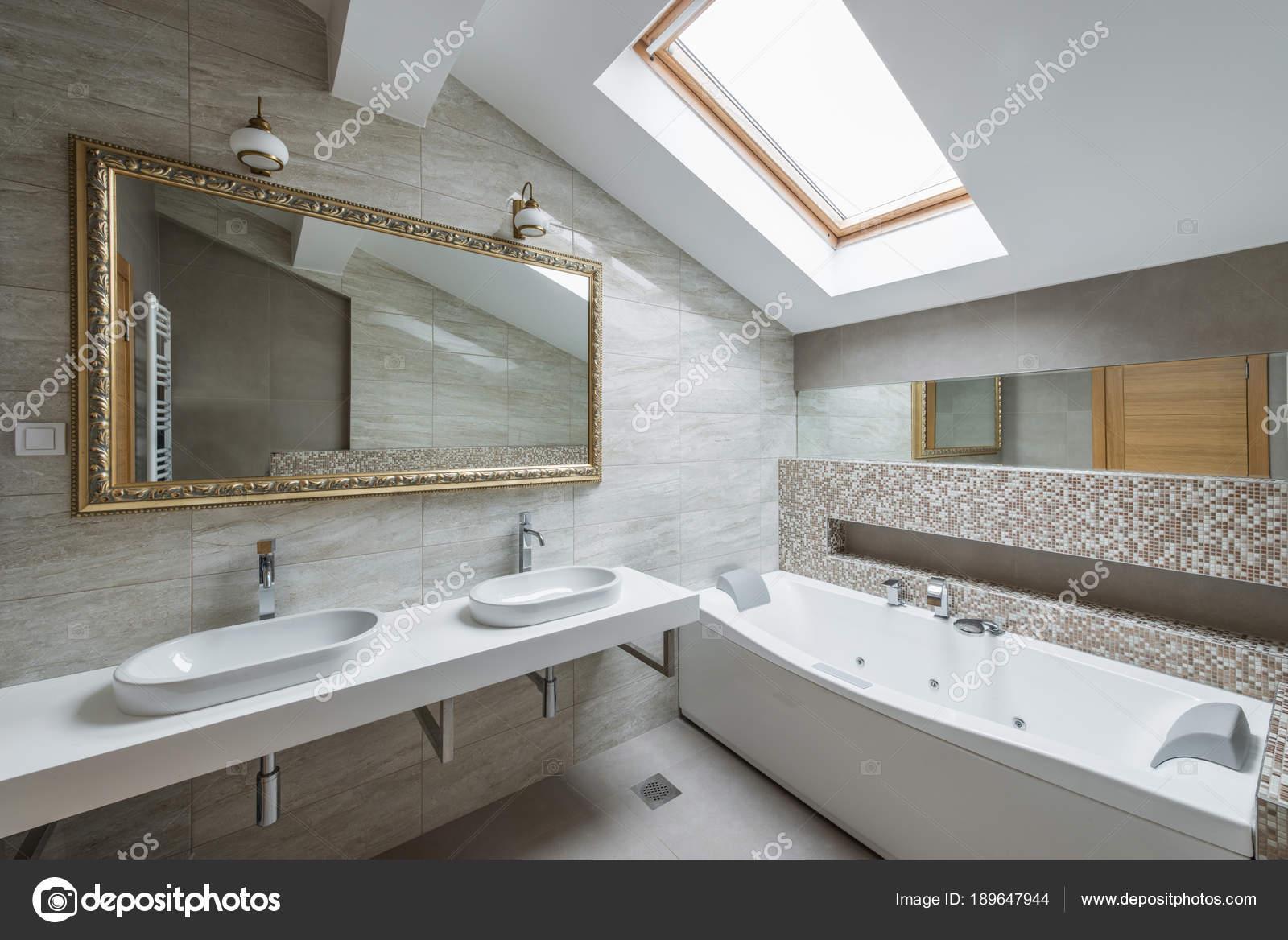 Salle De Bain Limoges ~ Int Rieur D Une Salle De Bain Luxueuse En Appartement Loft