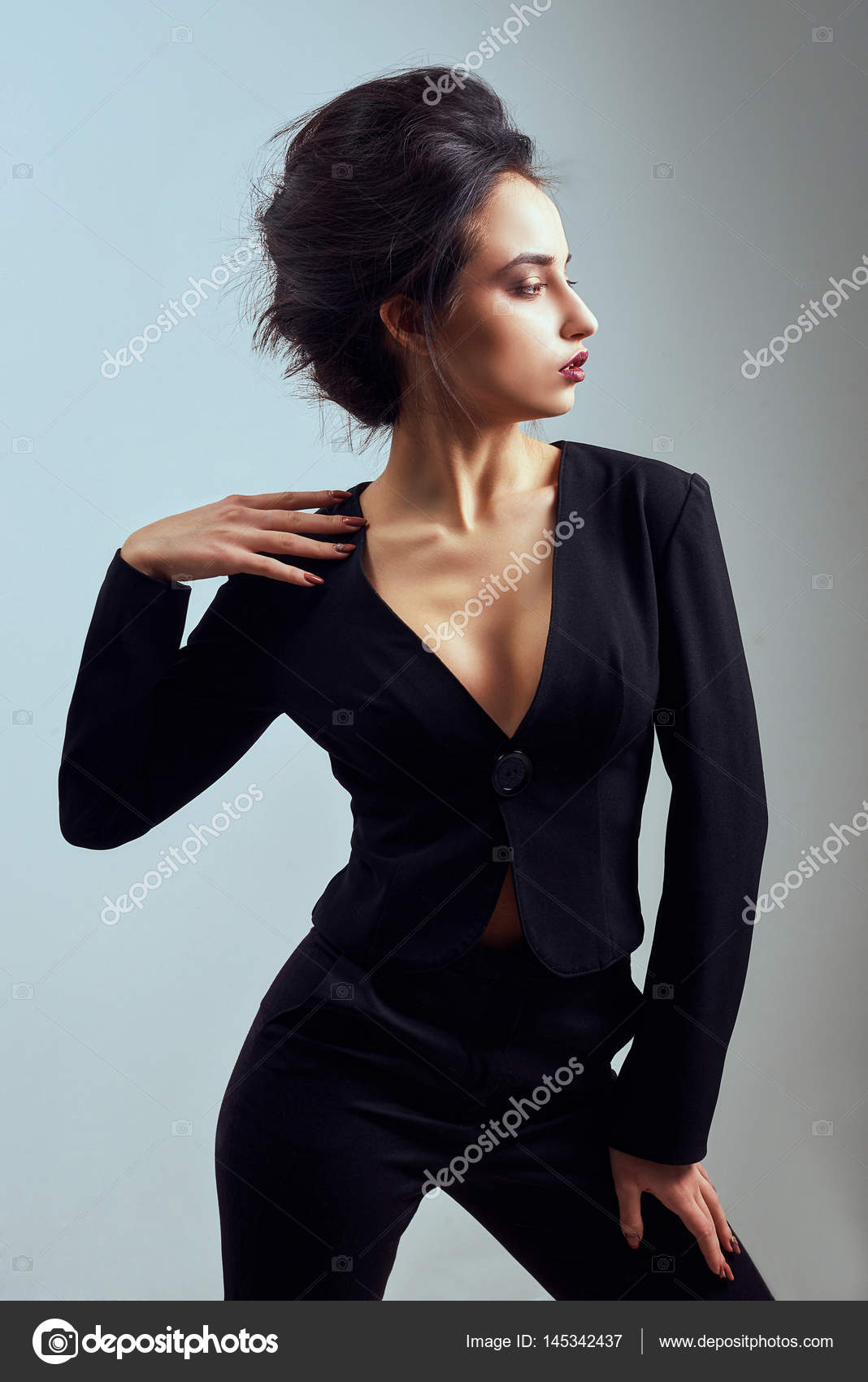 dde0c1bab825b5 Beautiful sexy woman wear silk velvet suit clothes for businesswoman office  style casual girl with dark ...