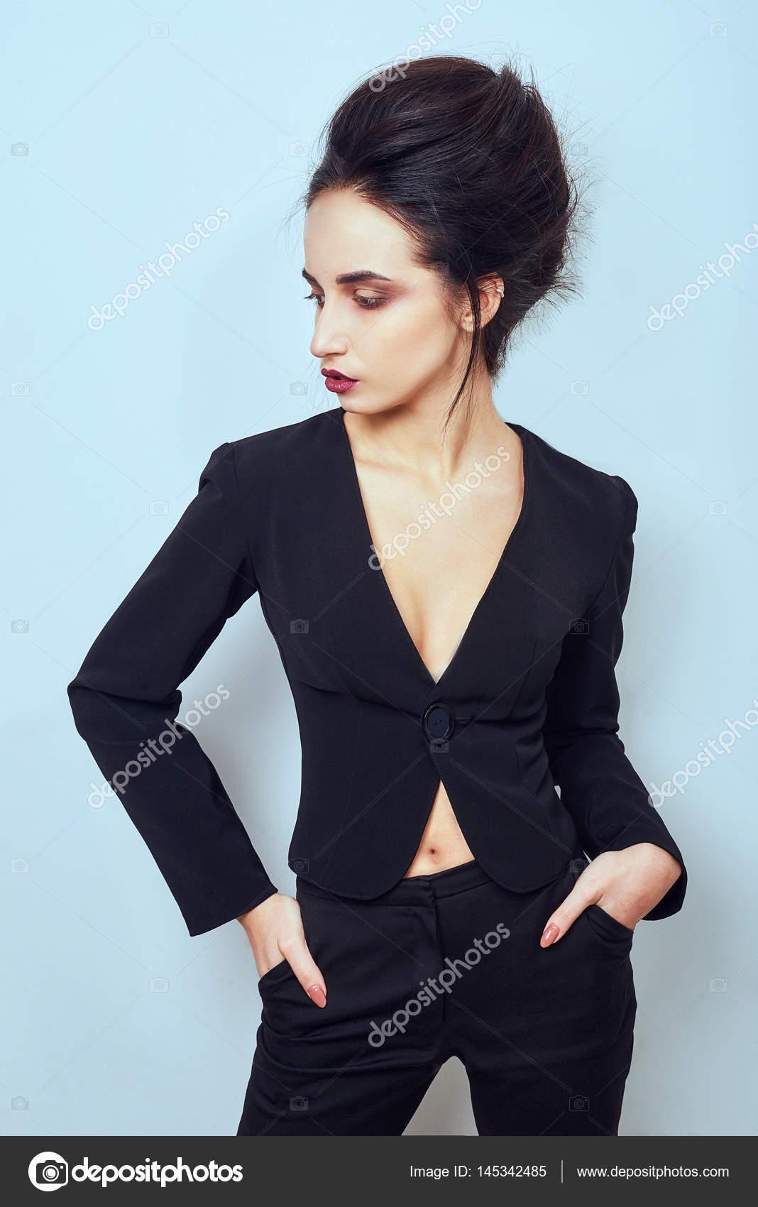 Фото девушек в шелковой одежде, латинка киара миа порно