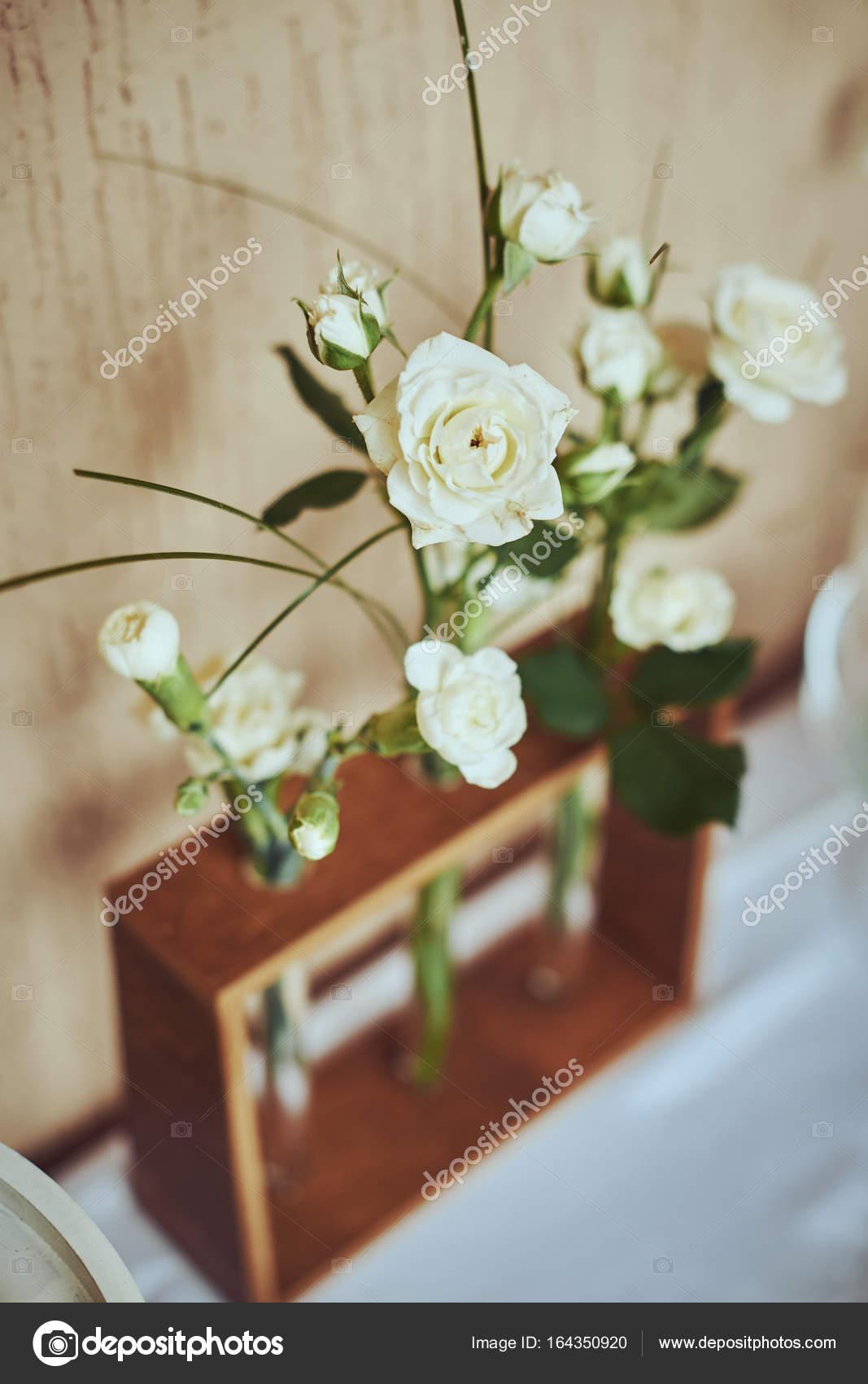 Blumenschmuck In Der Form Blumenstrausse Blumen Hochzeit Stockfoto