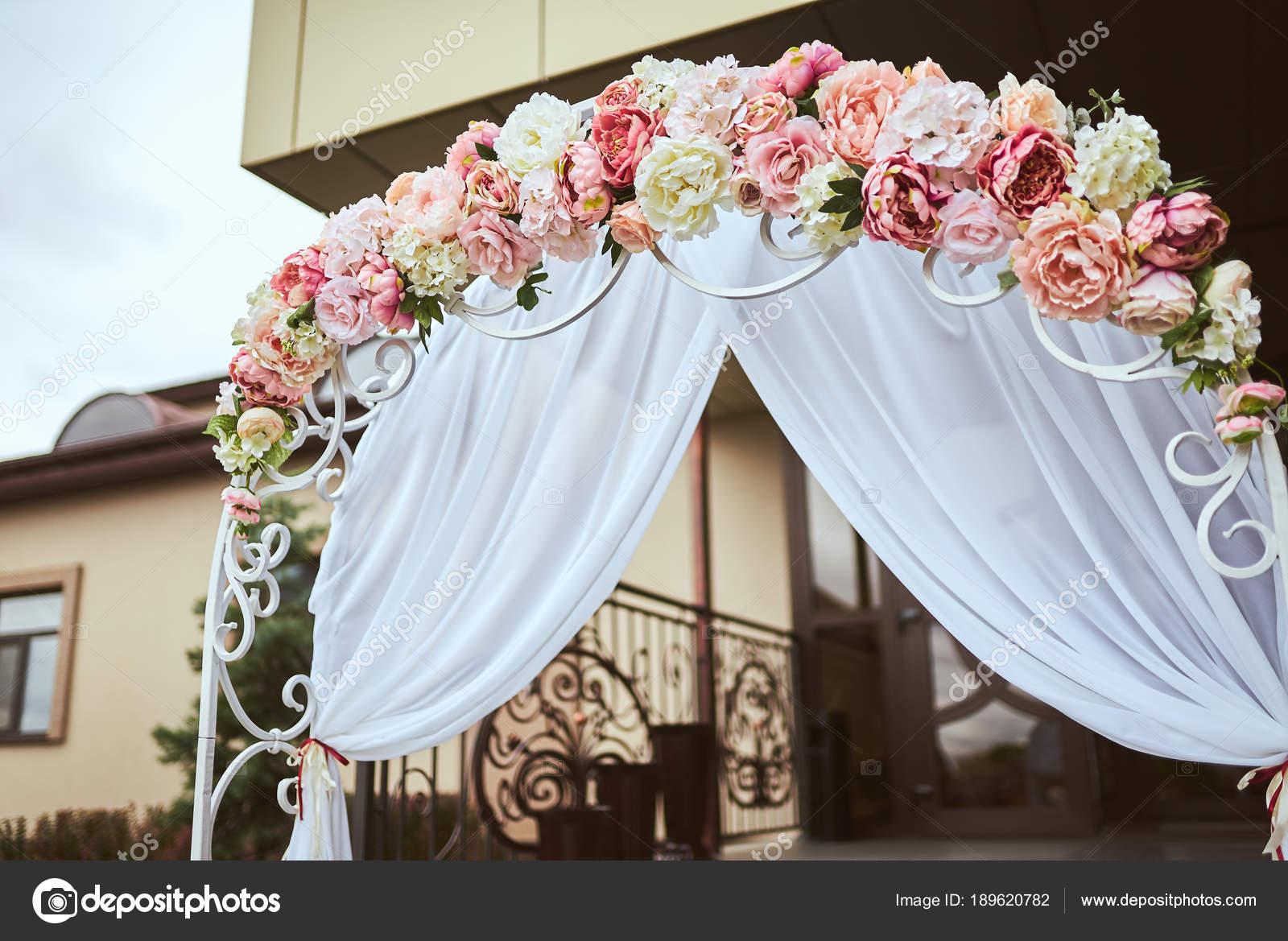 Hochzeit Dekoration Blumen Ringe Strauss In Den Handen Ringe