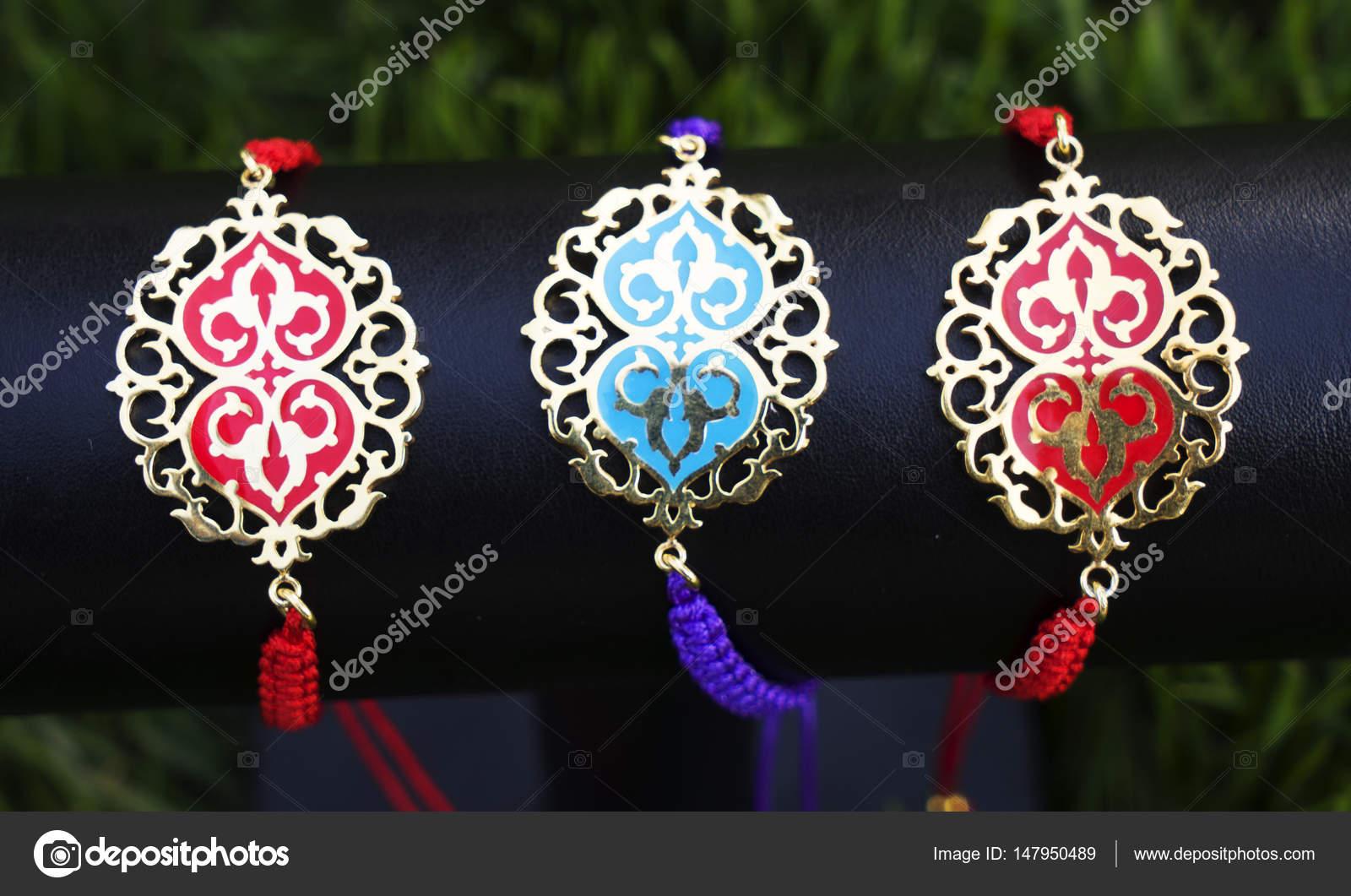 efa43cd9bad6 Imágenes: pulseras hechas a mano | hermosa mujer Oriental vintage ...