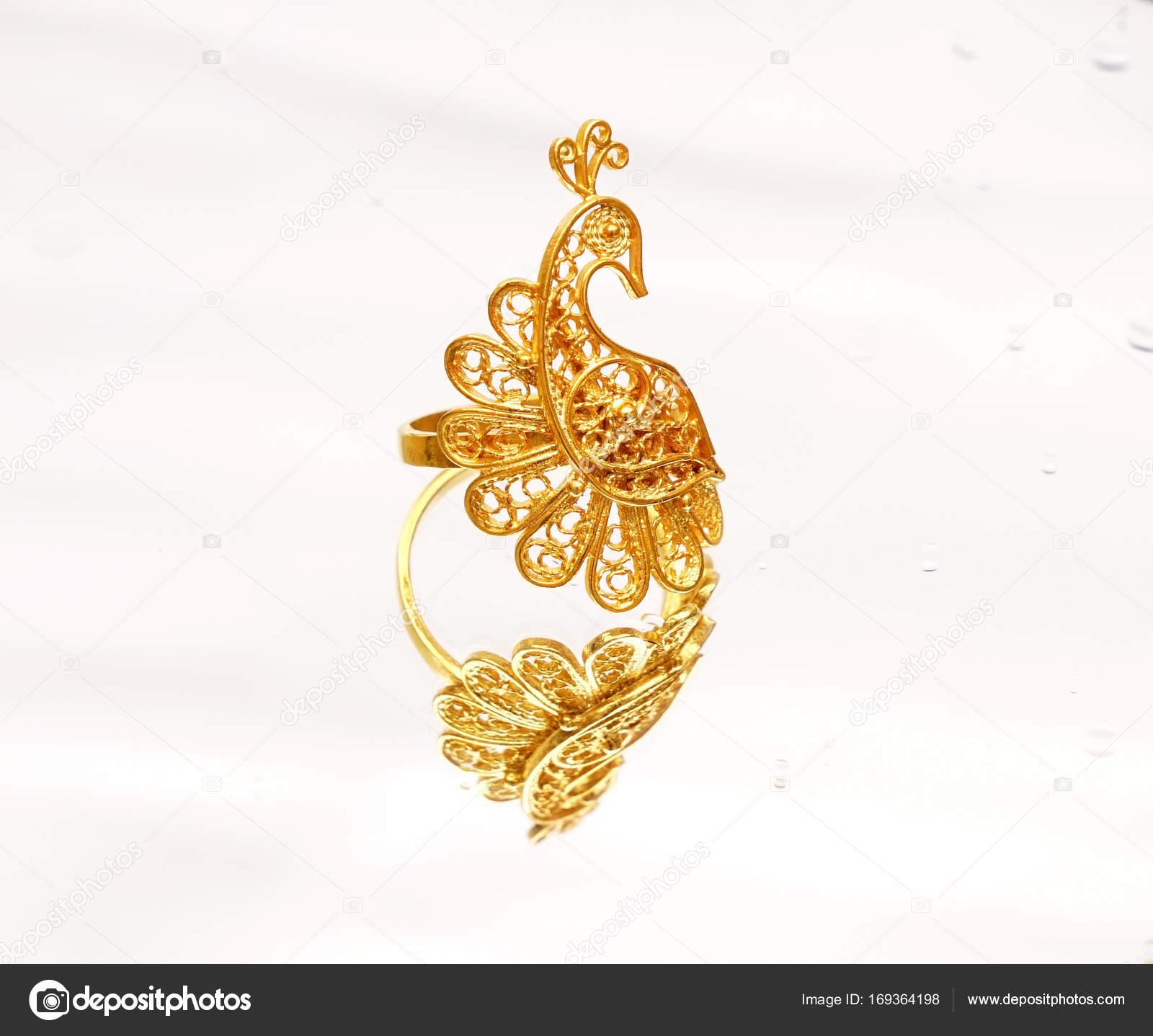 beautiful Oriental Turkish gold jewelry women ring on white