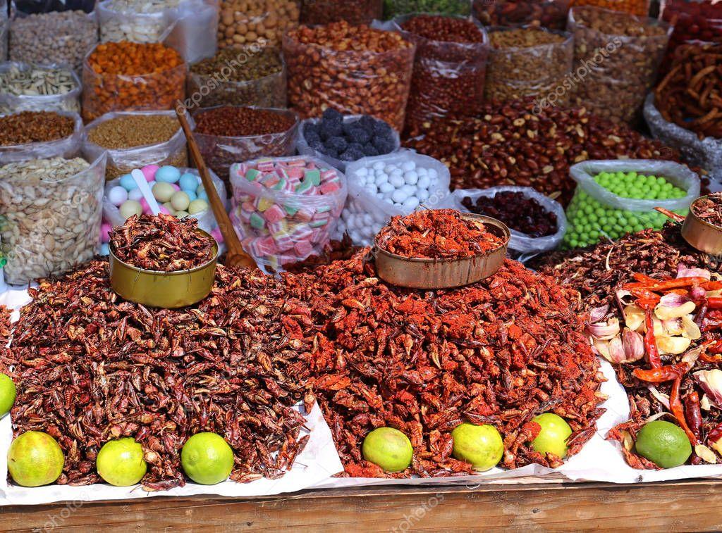 insekten essen in mexiko stockfoto ajkramer 156353466. Black Bedroom Furniture Sets. Home Design Ideas