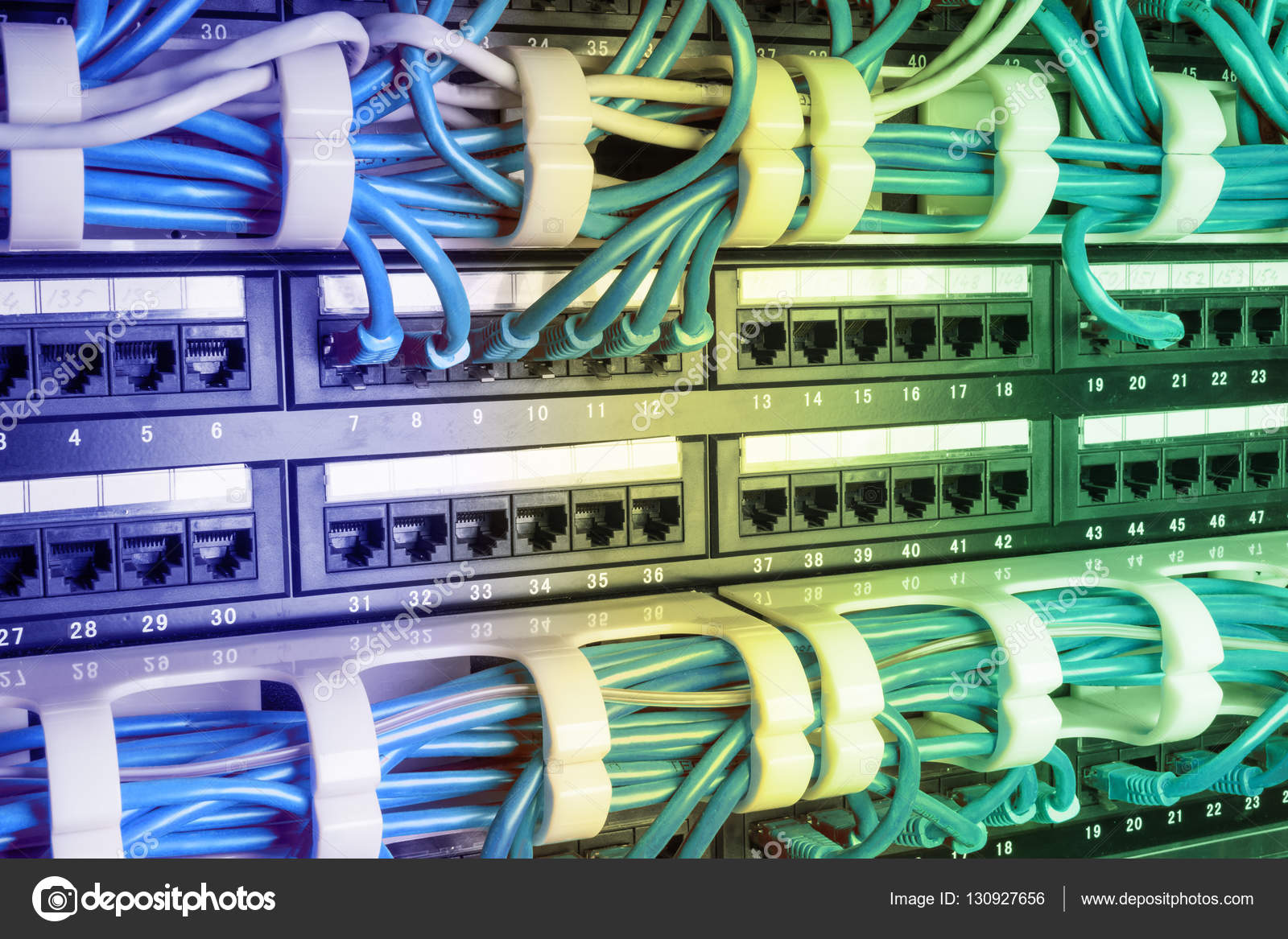 Swell Server Rack Met Blauwe Kabels Stockfoto C Angelus Liam 130927656 Wiring Digital Resources Funapmognl