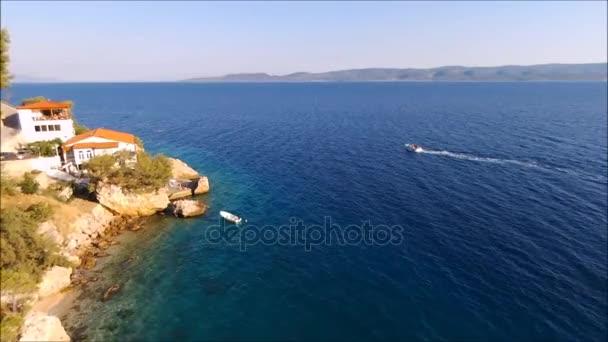 Malé vesnice a pláže nedaleko Omiš - Mimice, Dalmácie, Chorvatsko