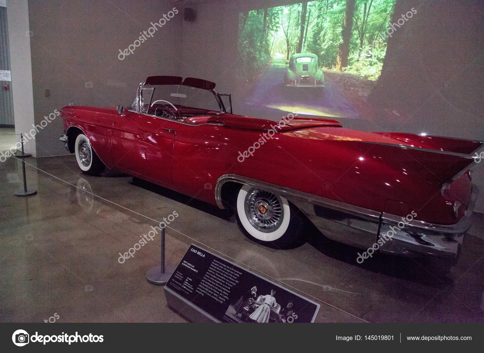 Rot 1957 Cadillac Eldorado Biarritz Redaktionelles Stockfoto 57