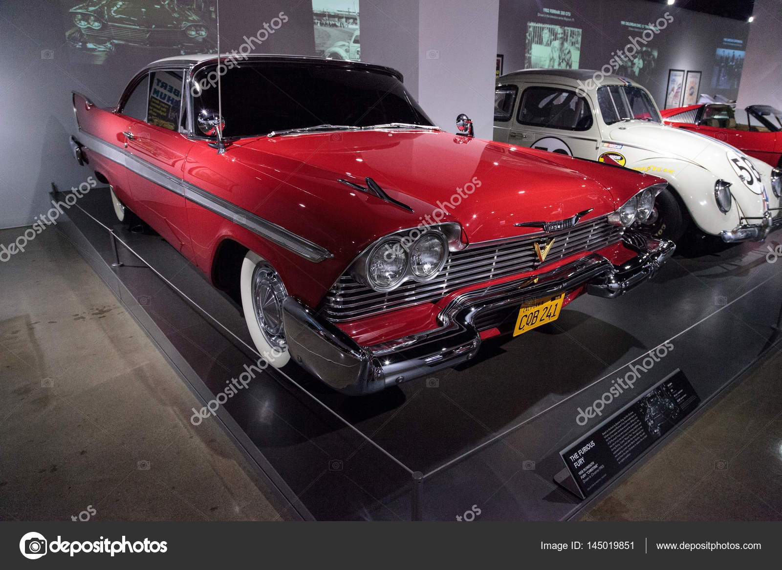 rot 1958 plymouth fury stunt auto redaktionelles. Black Bedroom Furniture Sets. Home Design Ideas