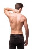 Sport muž s bolestí v krku na šedém pozadí