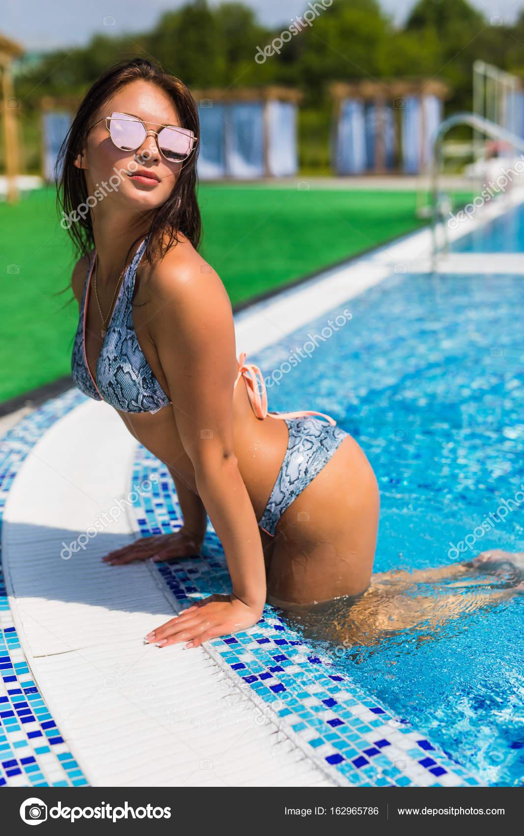 Sexy Girls Im Schwimmbad