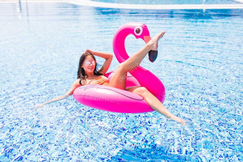 Bikini girl hot flamingo pink pool billiard, britney spears music video ass