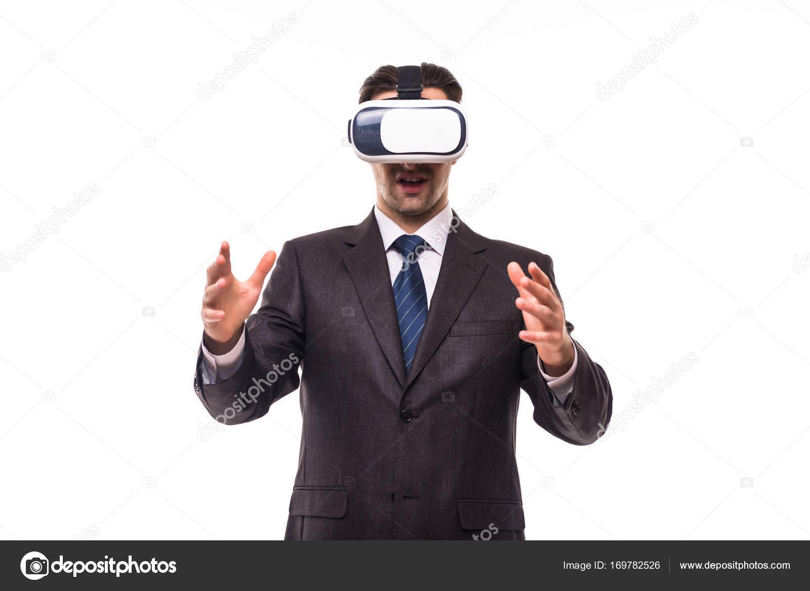 dcc419de2e Tecnología de visión 3D, gafas de realidad virtual. Persona del sexo  masculino en traje
