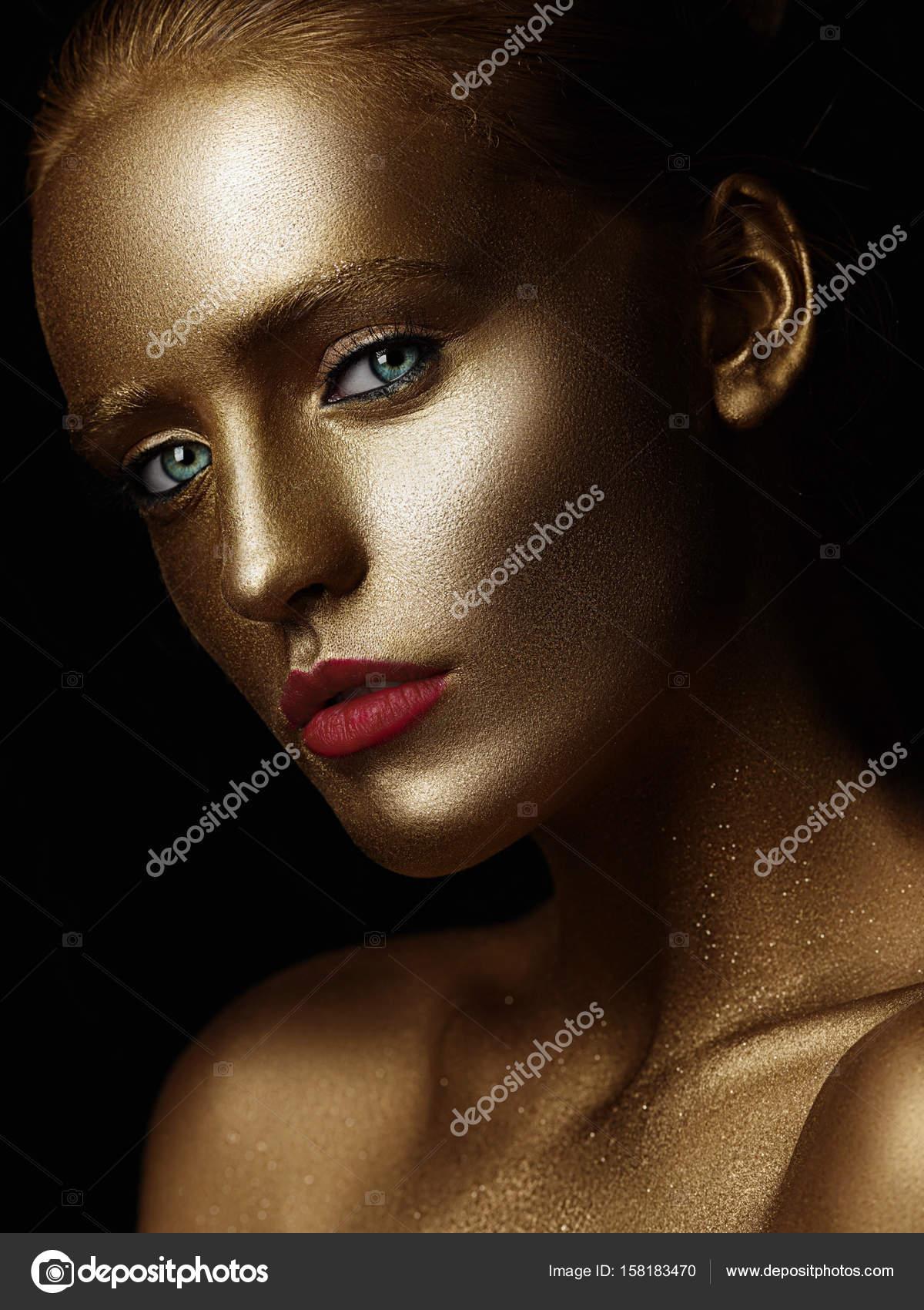 Золотые бодиарт женские тела фото, порно на фоне замка