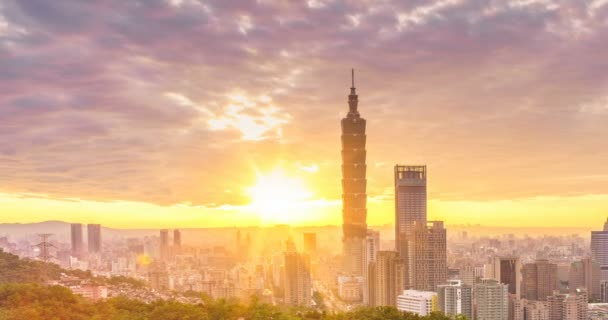 Timelapse of Taipei city from day to night