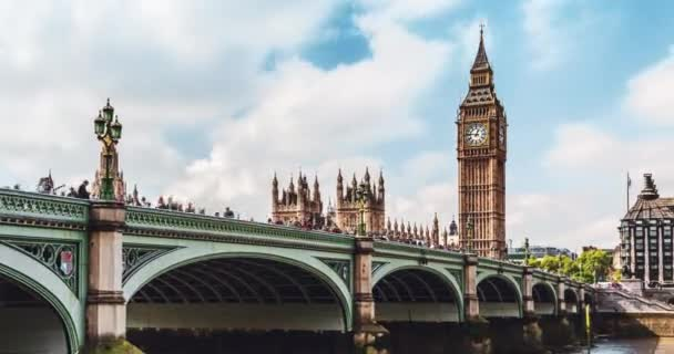 Big Ben a Westminster Bridge v Londýně