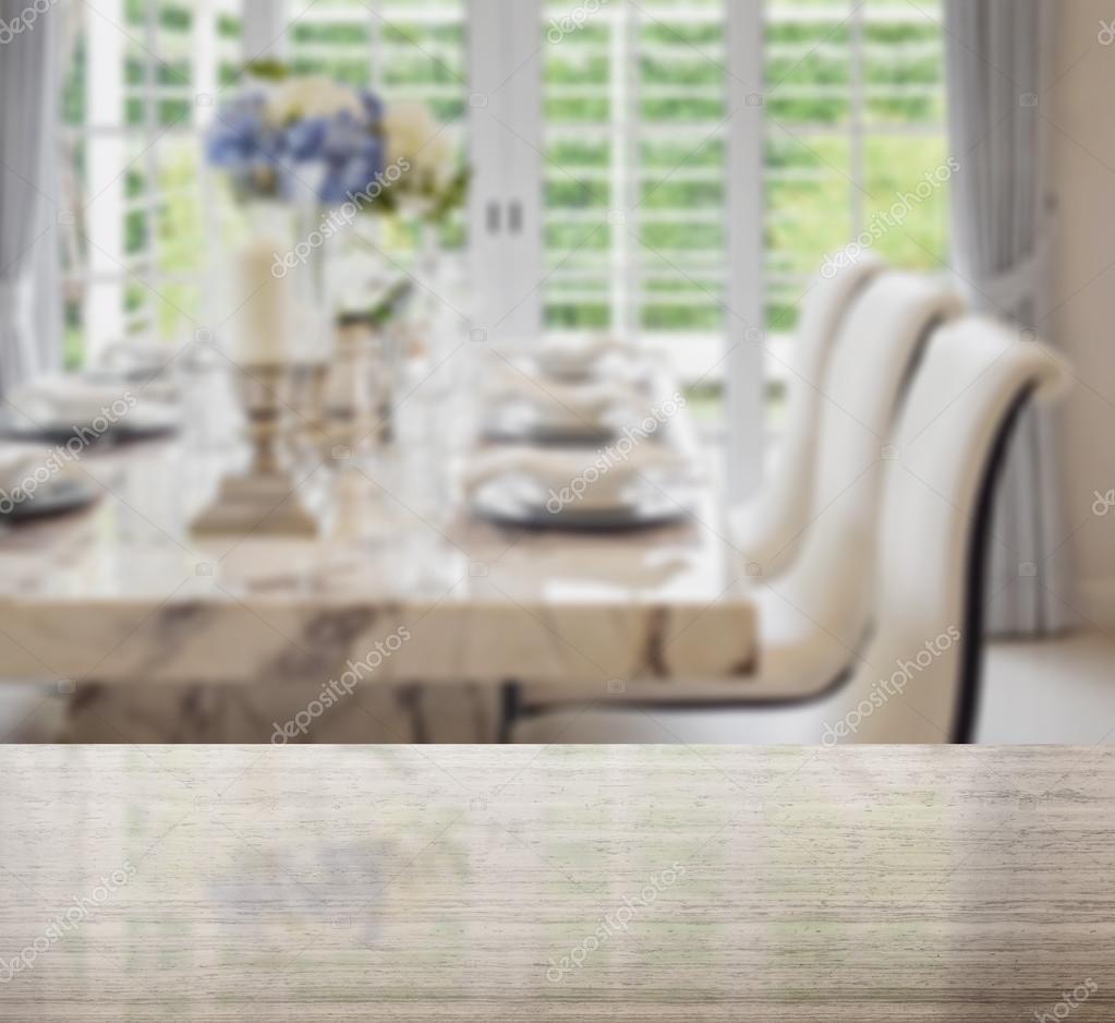 Tavolo Cucina Con Piano In Granito.Piano Di Tavolo Di Granito E Sfocatura Di Tavolo Da Pranzo E