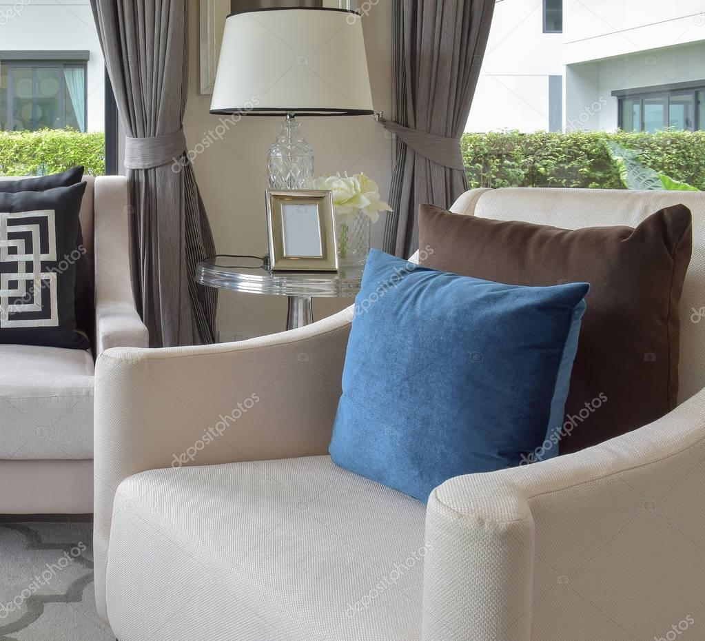 Luxus Wohnzimmer Design Mit Klassischen Sofa Sessel Und Dekorative