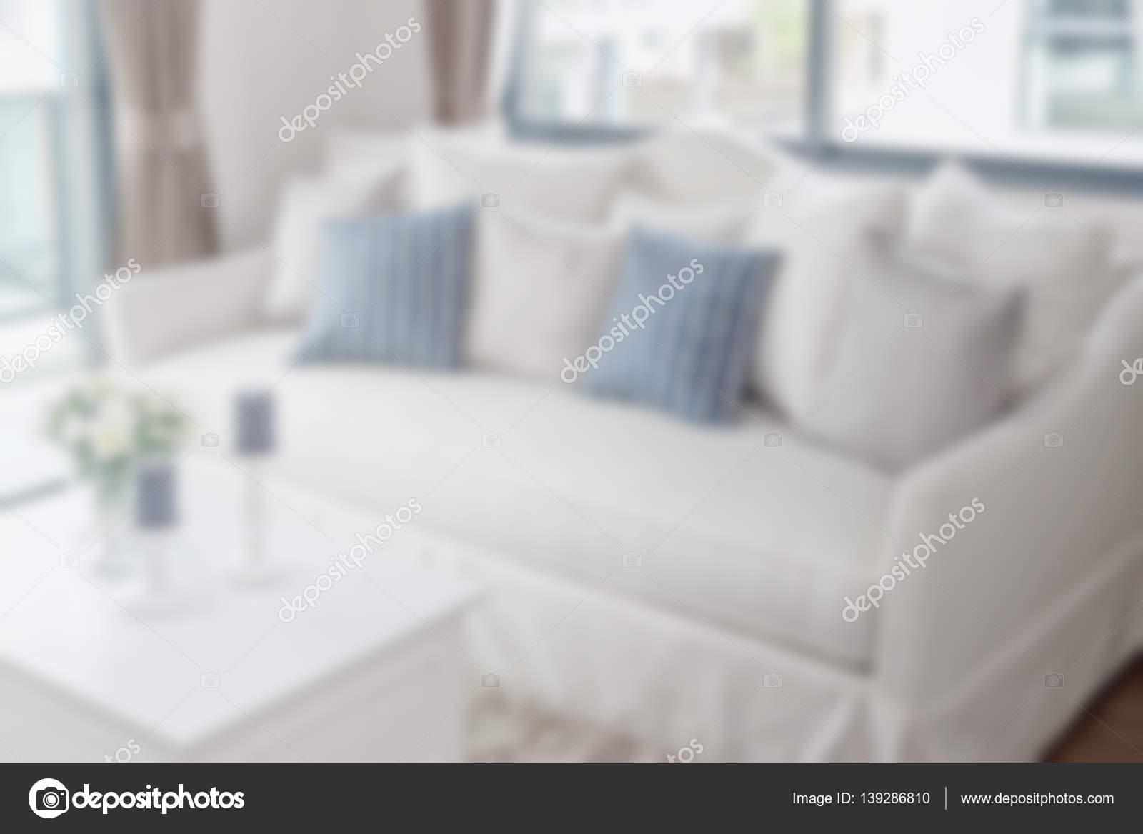 Fesselnd Verschwommene Modernes Wohnzimmer Mit Kissen Auf Sofa Für Hintergrund U2014  Stockfoto