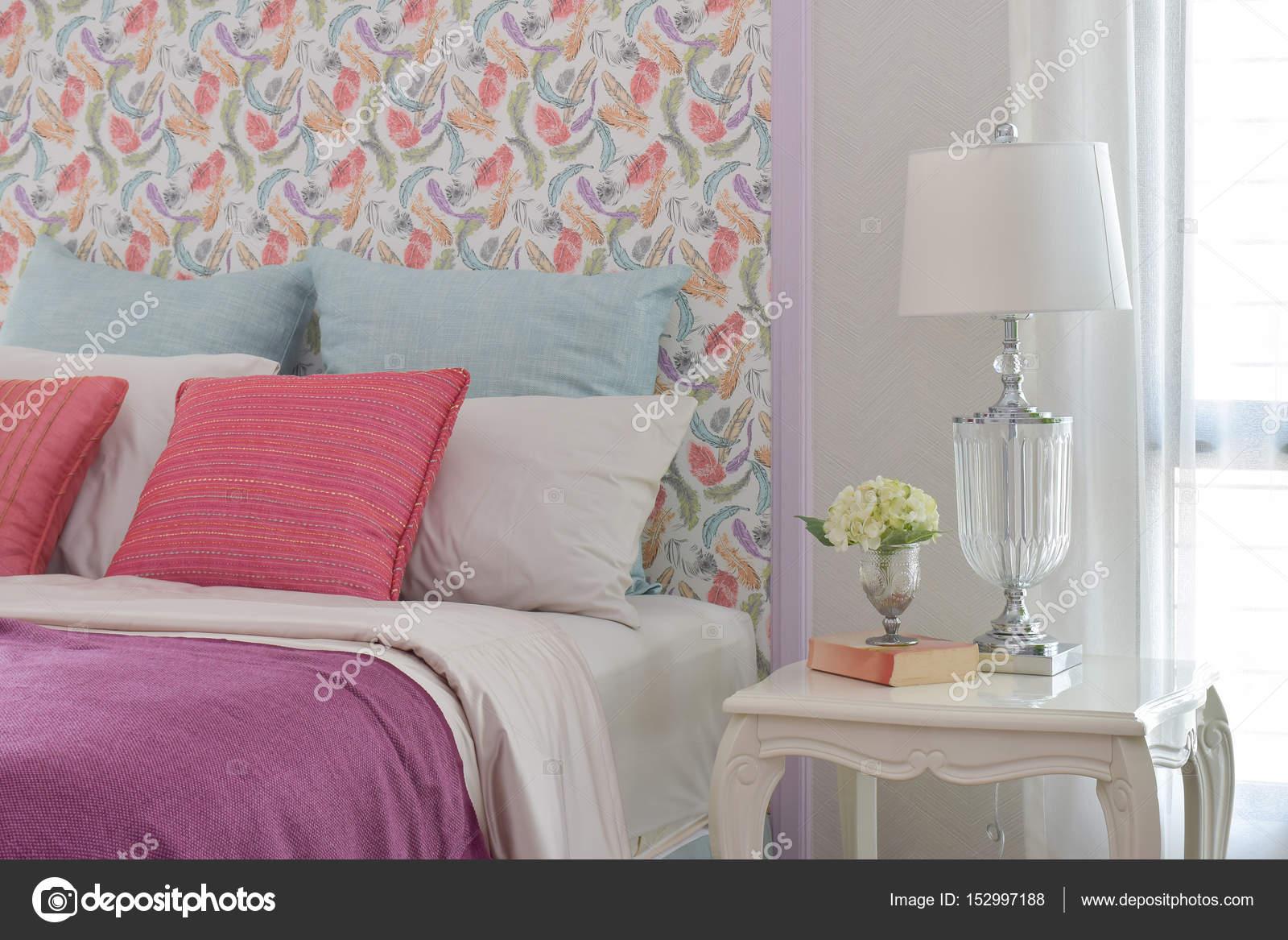 Colore Romantique Literie Style Avec Tete De Lit Beau Modele Et