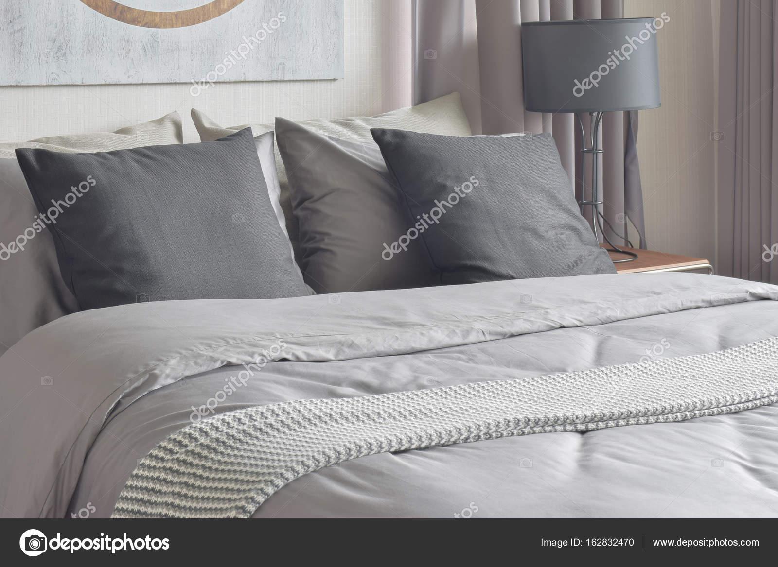 Interno bianco e nero tono biancheria camera da letto — Foto Stock ...
