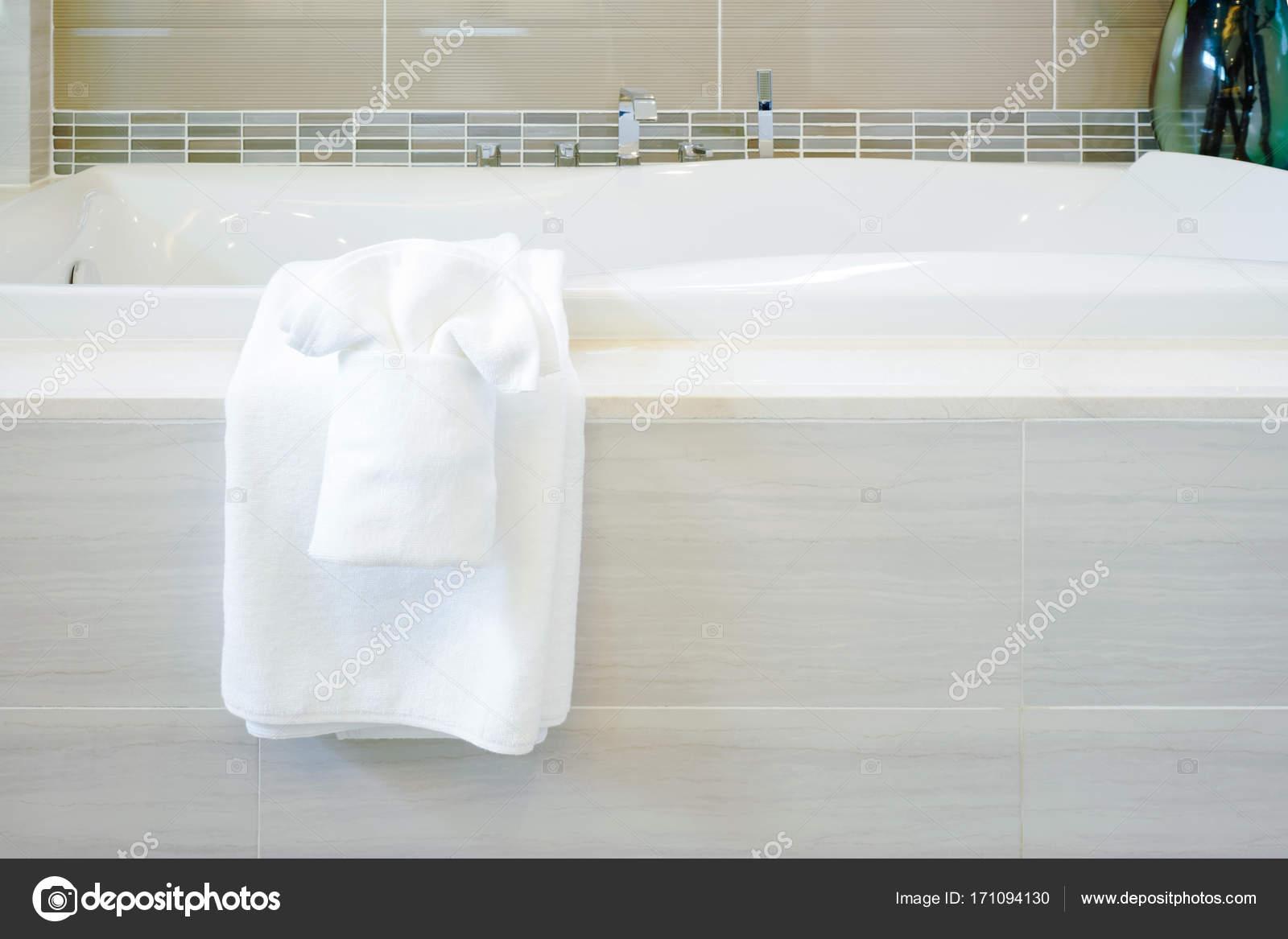 Vasche Da Bagno Stile Moderno : Vasca da bagno centro stanza freestanding ovale