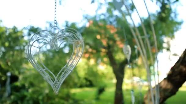 Závěsný drát made svatební dekorace s elegantní srdce v girlandy