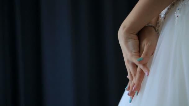 Под юбками невест видео — photo 7