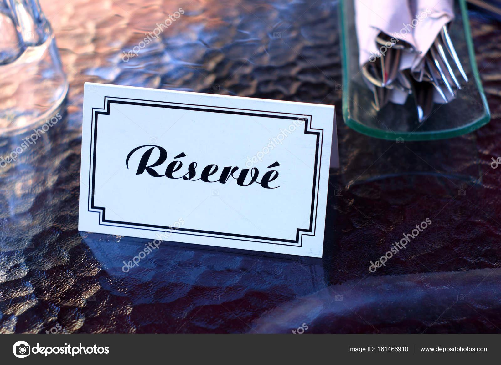 Französisches Restaurant Tischreservierung Zeichen Karte Platz ...