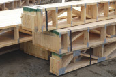 Photo beams on construction site lumber stack wood structure