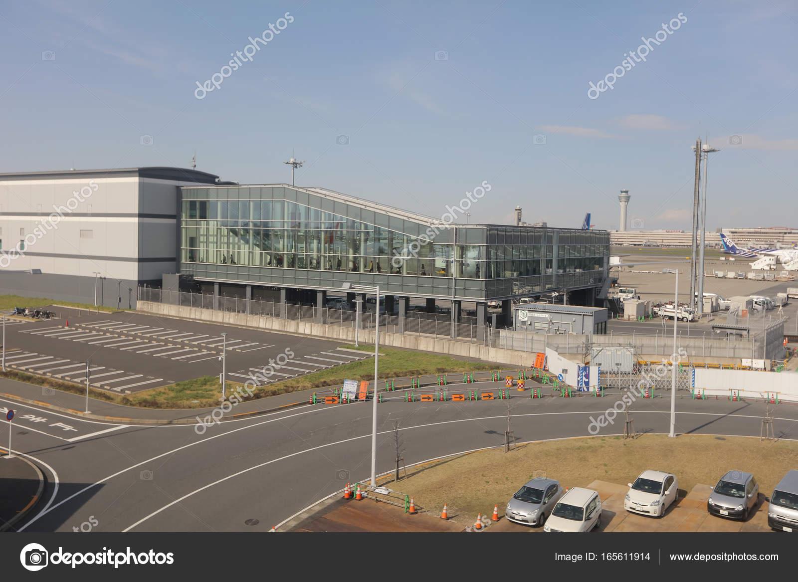 Aeroporto Tokyo : Aeroporto internazionale di tokyo haneda u foto editoriale stock