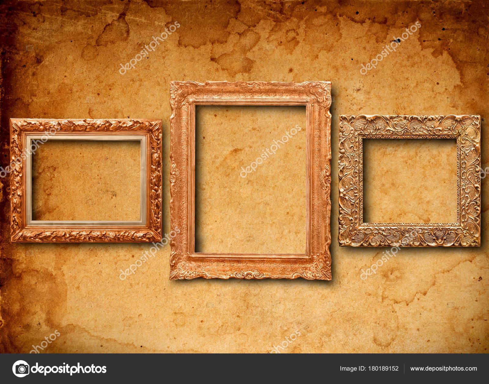 Antike Rahmen auf Tapete — Stockfoto © Goir #180189152