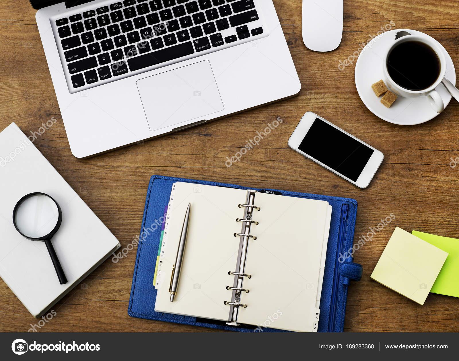 Oggetti Per Ufficio : Articoli per ufficio e agenda u2014 foto stock © goir #189283368
