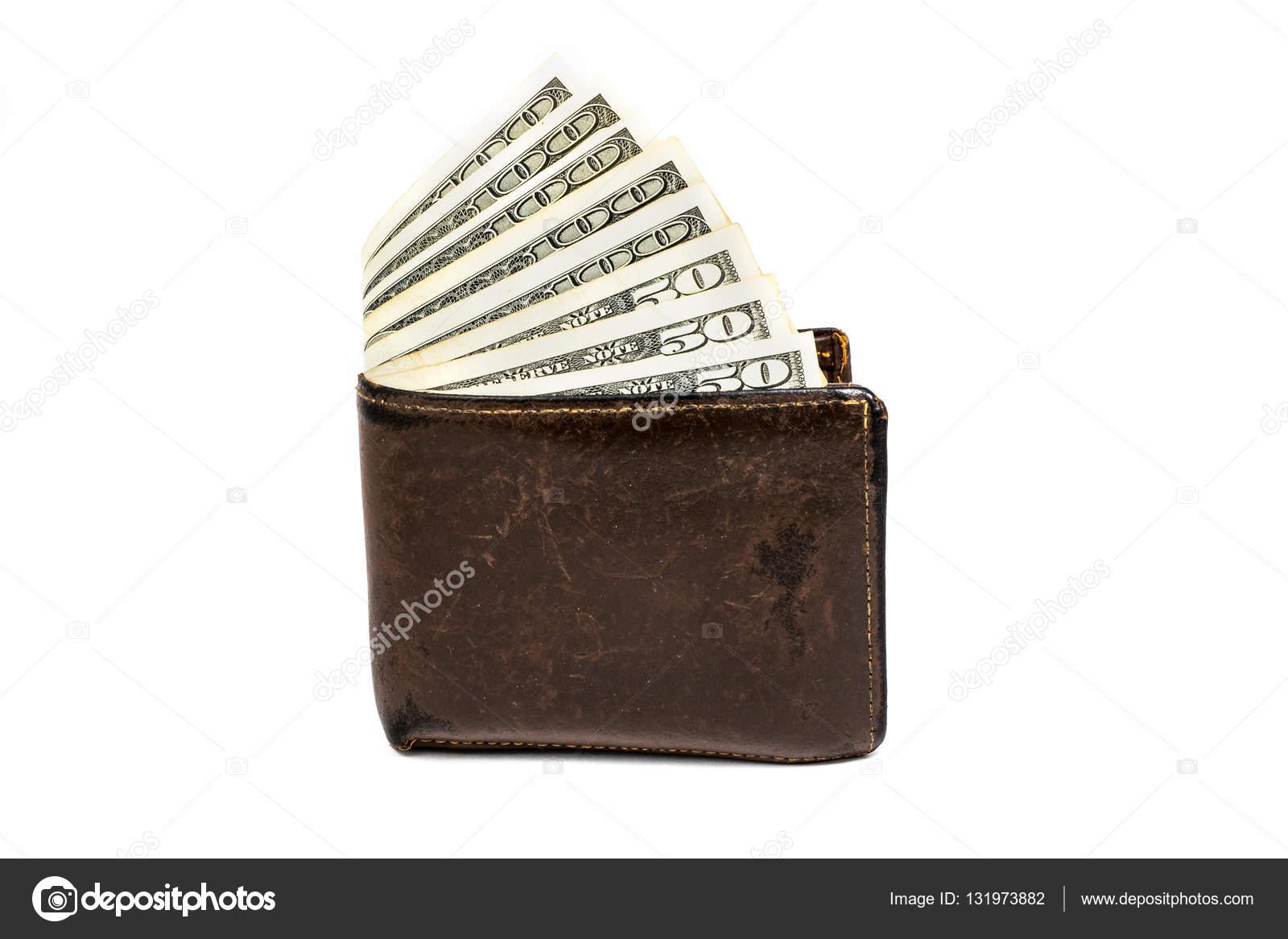 7b4558365 Antiguo cuero cartera marrón con uno y ciento cincuenta dólares billetes  aislaron sobre fondo blanco– Imagen de Archivo