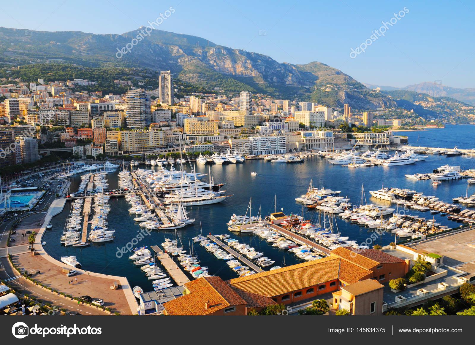 Vista panoramica di porto ercole a montecarlo foto stock for Porto montecarlo