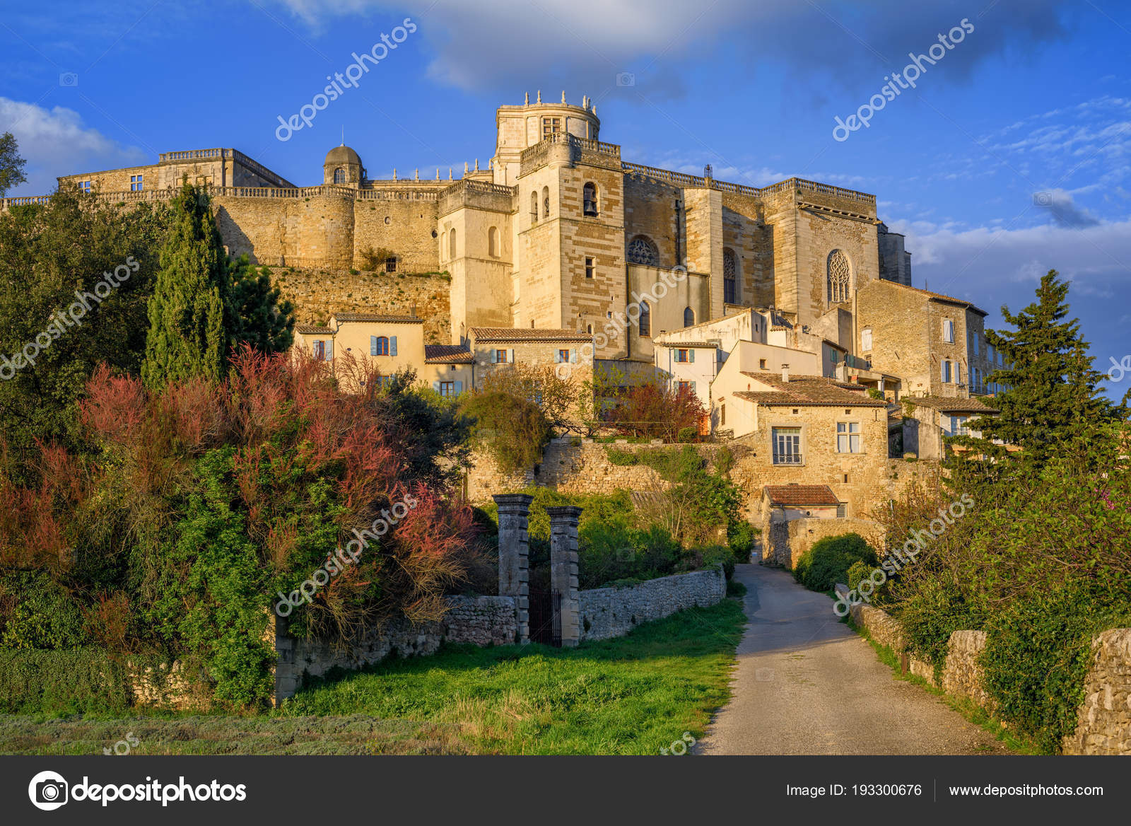 Check out these popular cities in Drôme Provençale