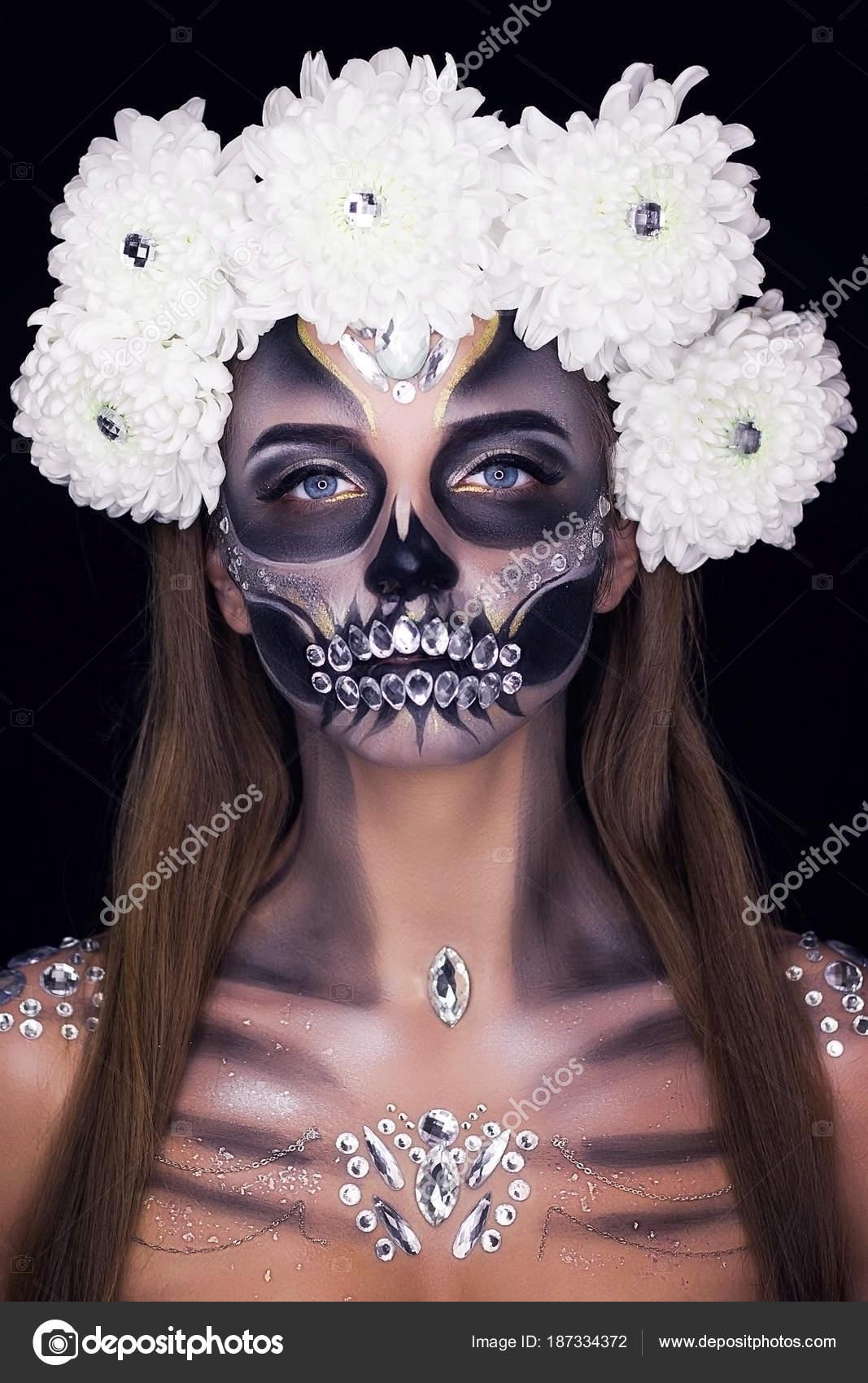 Maquillaje Profesional Para Halloween Foto De Stock C Kirilyukrm - Maquillaje-profesional-halloween