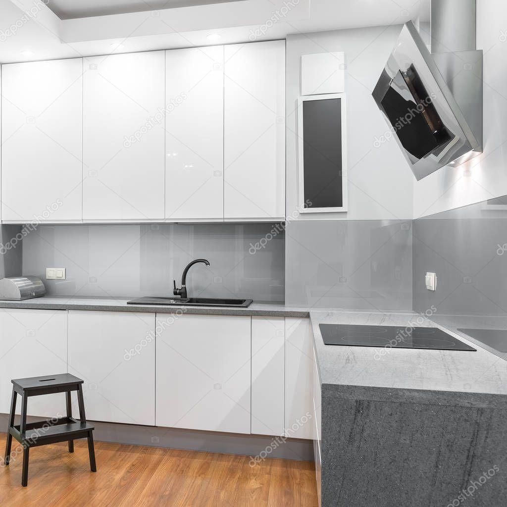 wei e hochglanz k che stockfoto in4mal 129354272. Black Bedroom Furniture Sets. Home Design Ideas