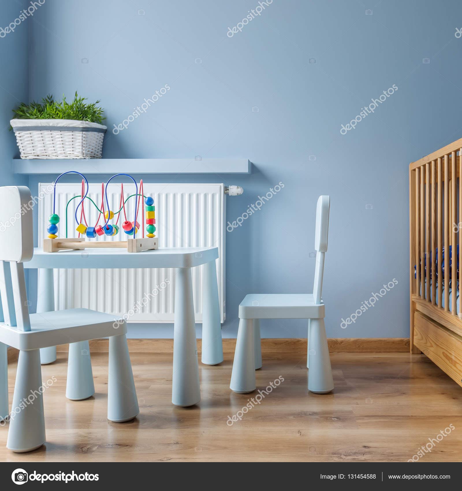 Chambre bébé bleu avec petit lit — Photographie in4mal ...