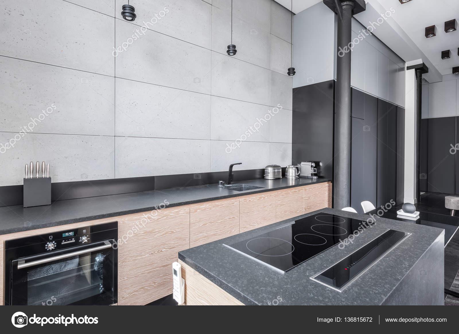 Cozinha Com Bancada Funcional Stock Photo In4mal 136815672