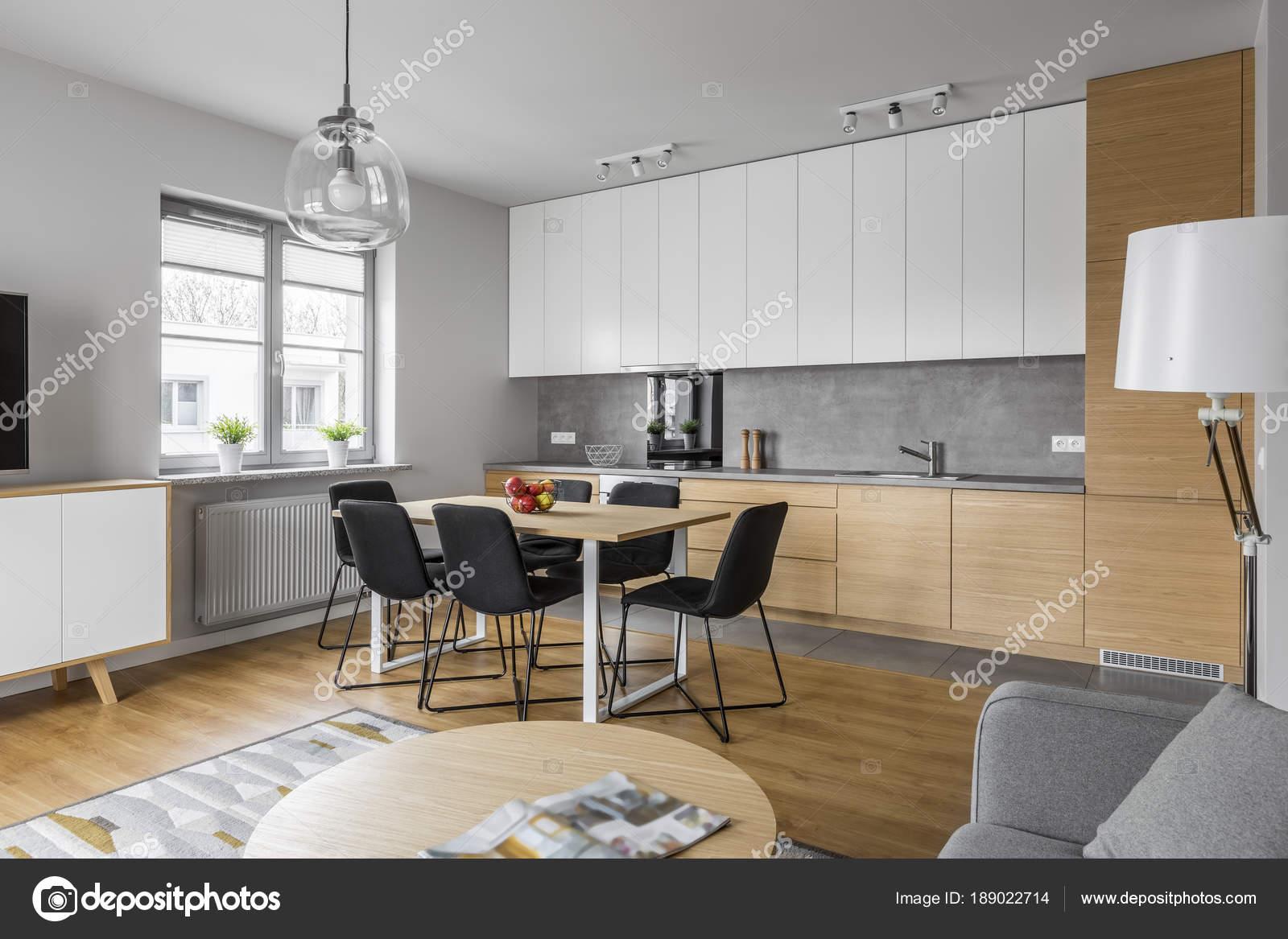 Diseño de cocina contemporánea — Fotos de Stock © in4mal #189022714