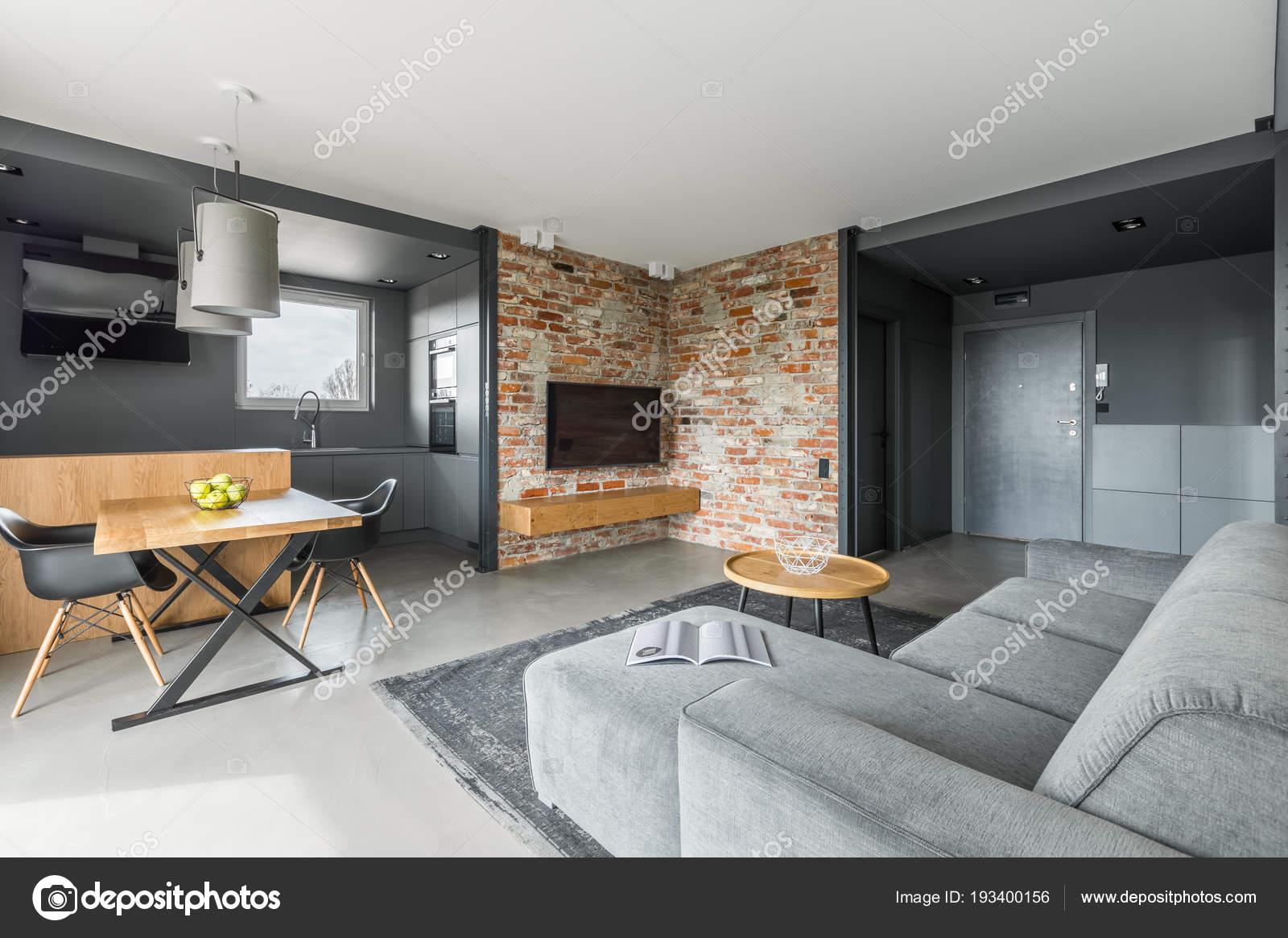 Graue und weiße Wohnung — Stockfoto © in4mal #193400156