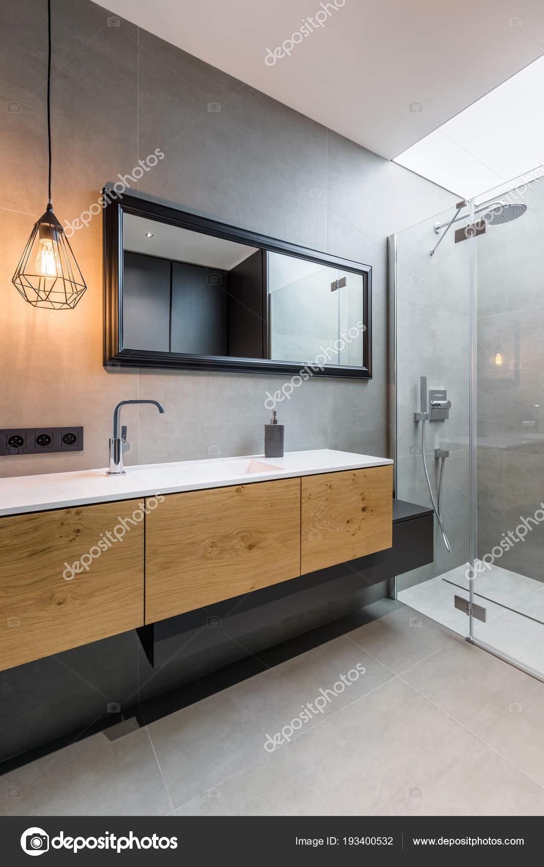 Camera da letto con cabina doccia — Foto Stock © in4mal ...