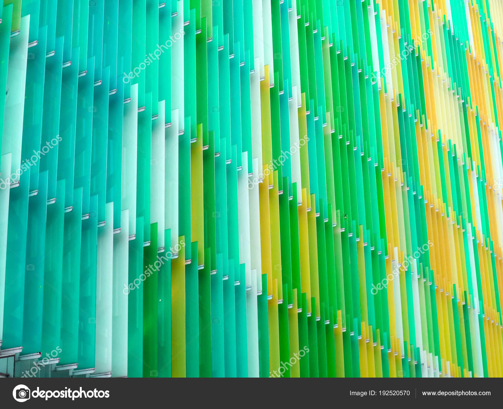 https://st3.depositphotos.com/6301312/19252/i/1600/depositphotos_192520570-stockafbeelding-acryl-plastic-folie-interieur-zeven.jpg