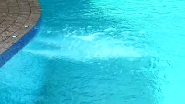 lázeňský bazén rozprašovač na masáž bolavého a unaveného těla