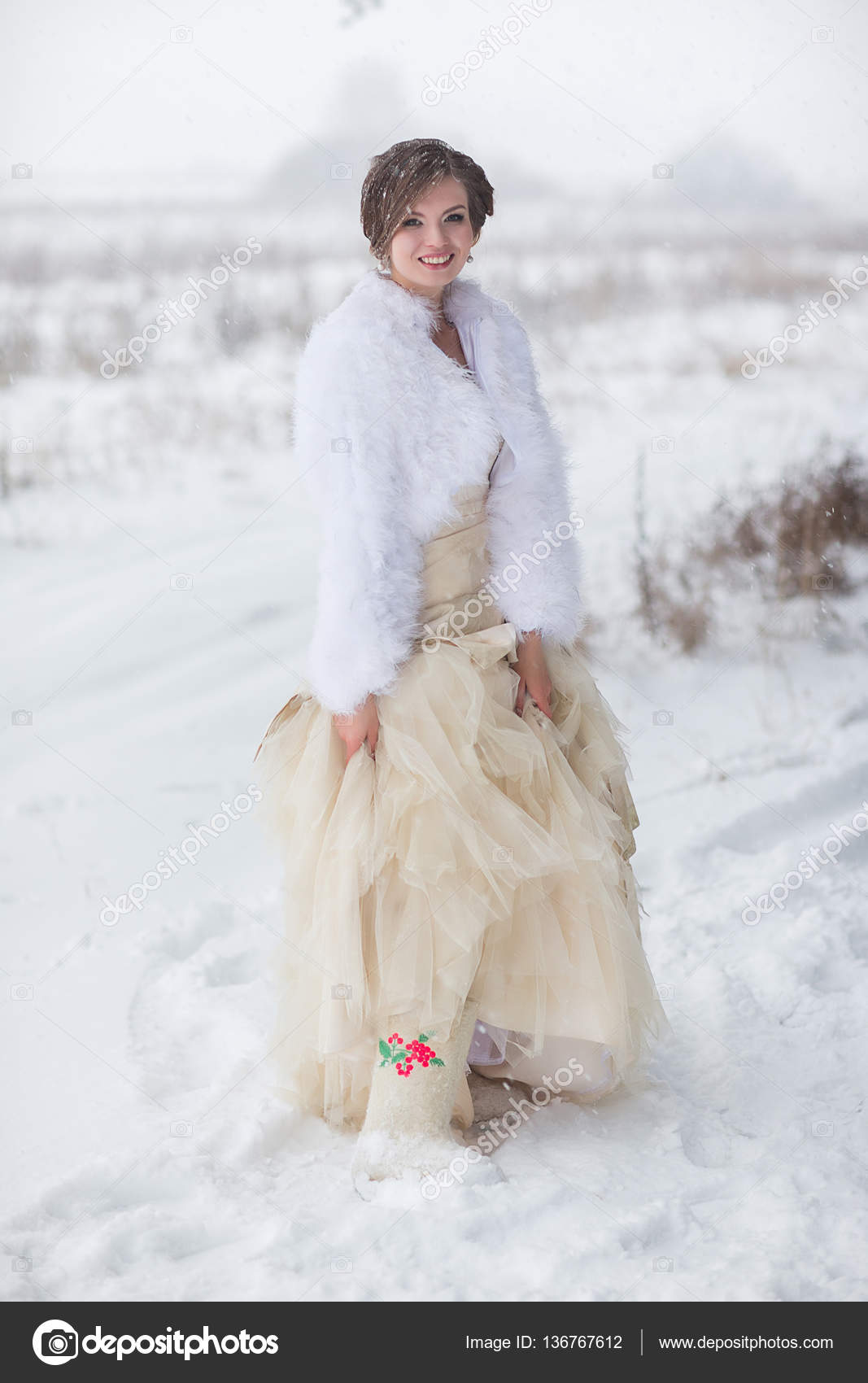 Braut in Wolle Stiefel — Stockfoto © familylifestyle #136767612