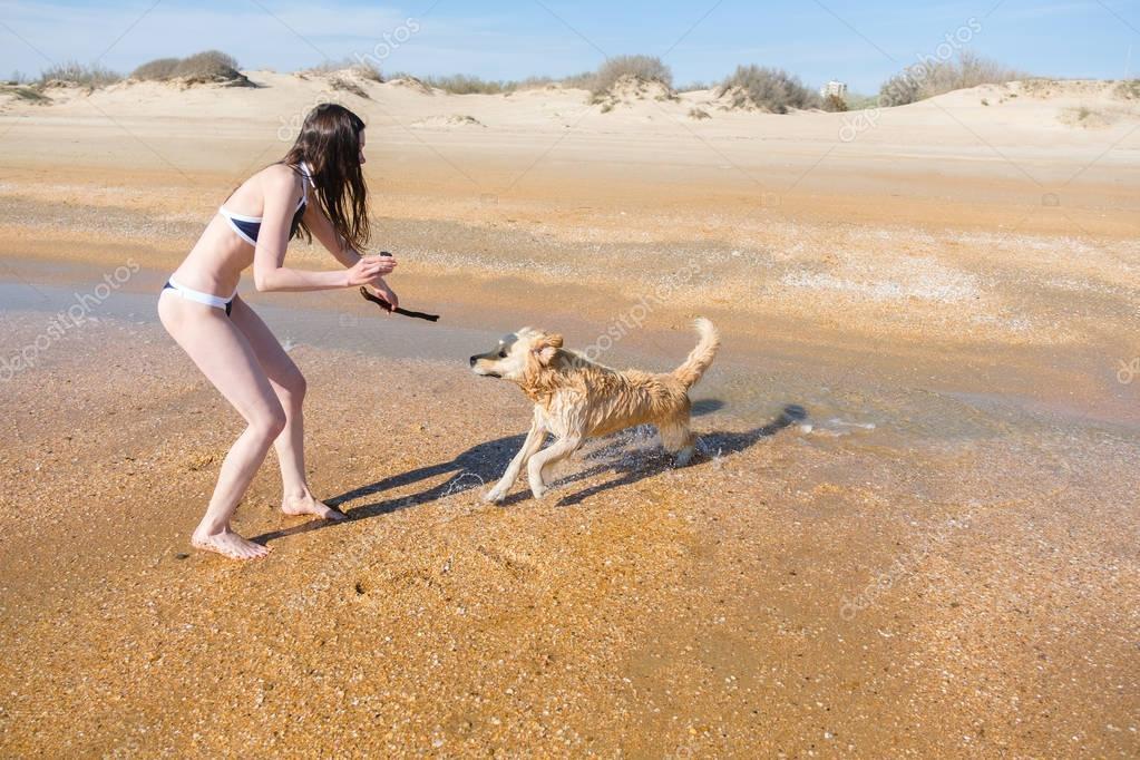 Vollbusige Brünette Doggy