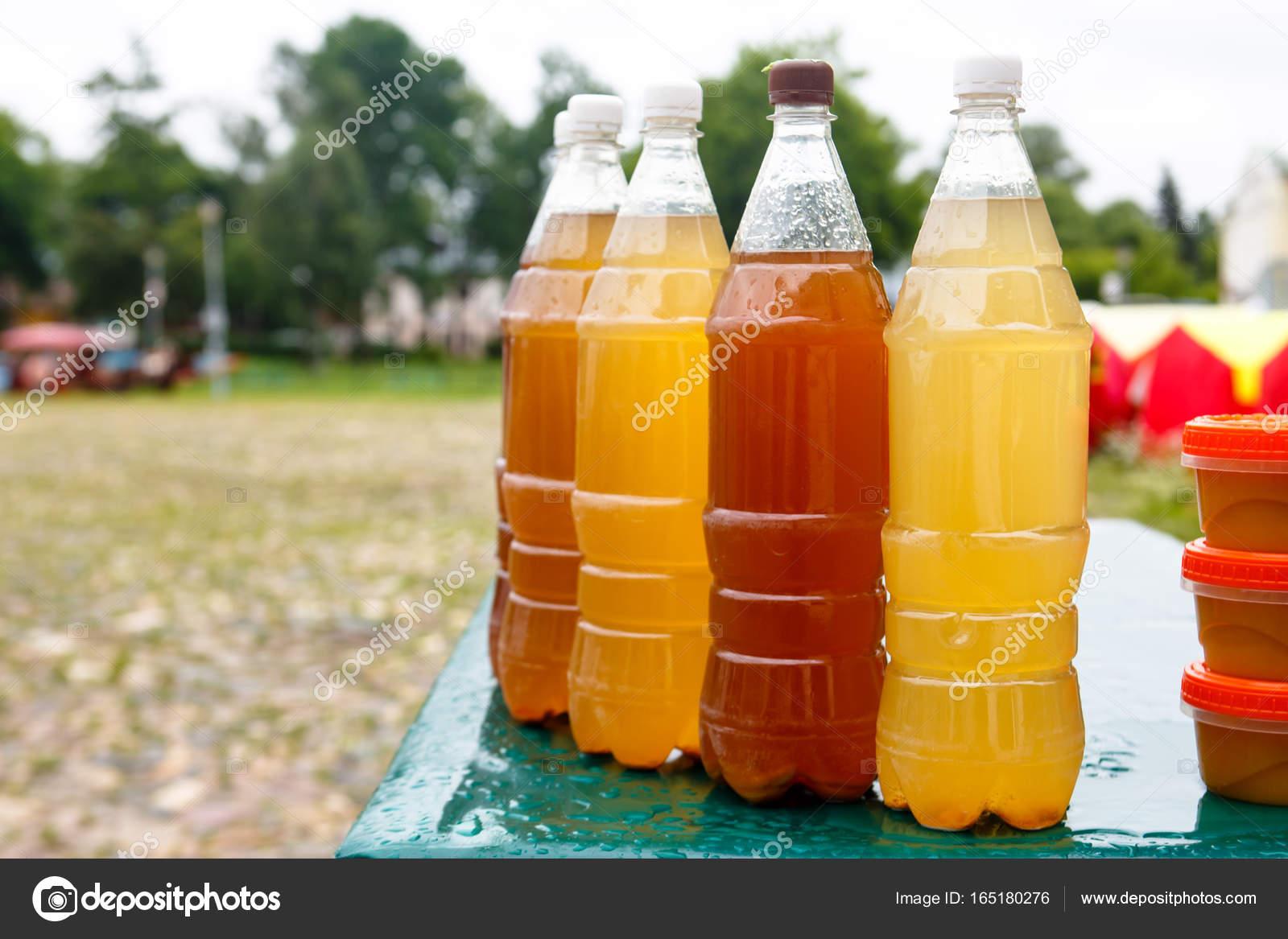 Die traditionelle russische alkoholisches Getränk \