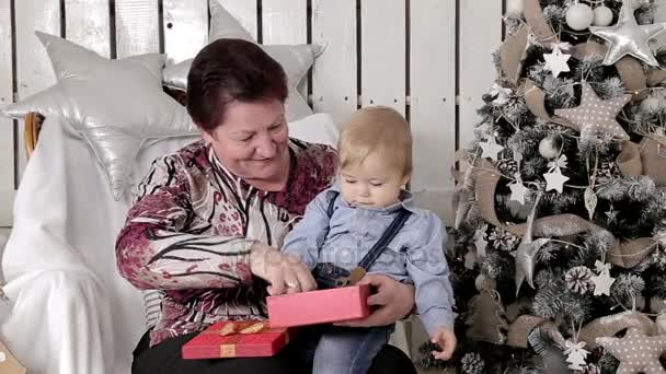 Внук и бабушка видео фото 595-868